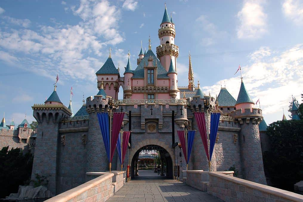 Disneyland and Universal Studios Allowed to Reopen April 1, 2021