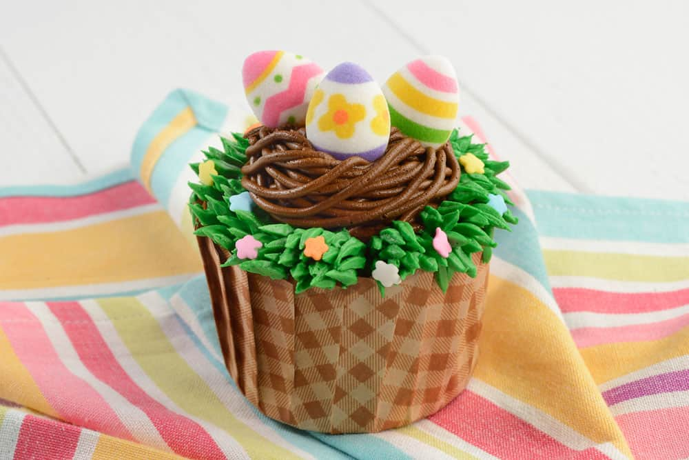 EGGStraordinare Cupcake at Walt Disney World