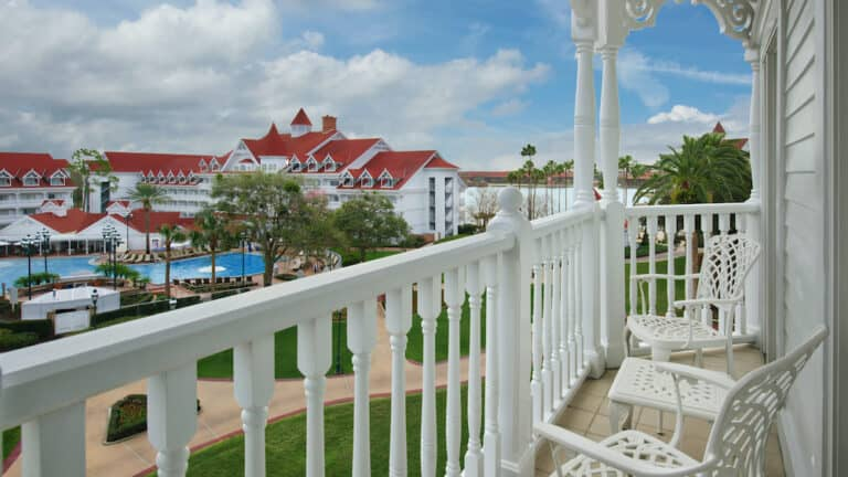 Walt-Disney-World-Club-Level-Rooms-and-Suites-Reopening-September-2021